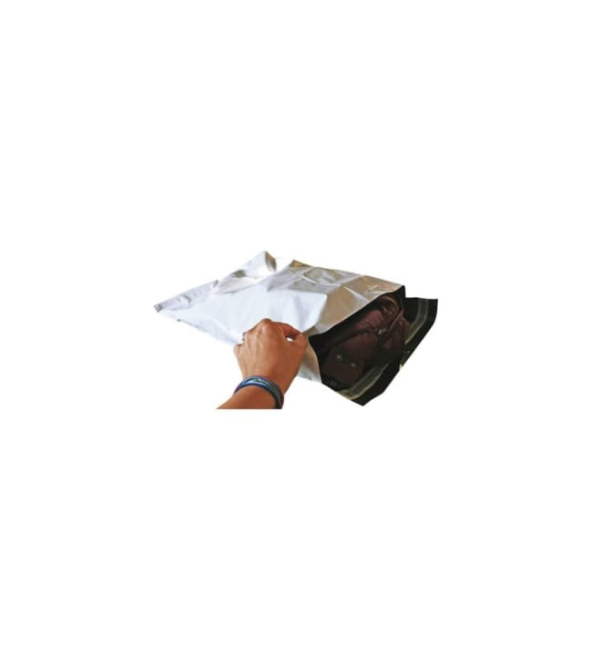 Valkoinen postituspussi