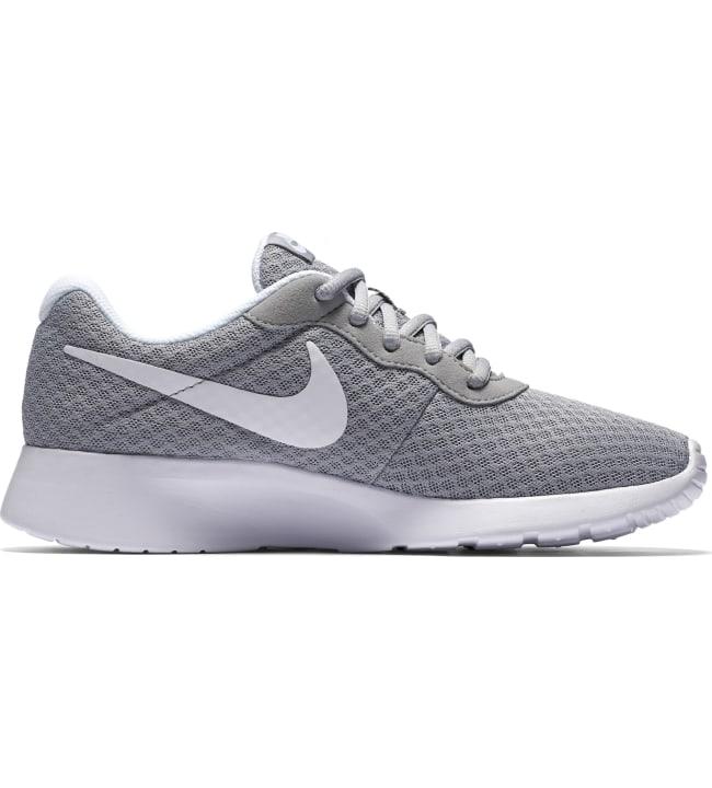 Nike Tanjun naisten vapaa-ajan kengät