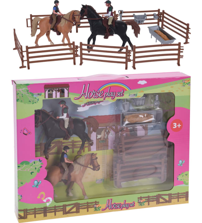 Hevosaitaus, 2 hevosta ja 2 ratsastajaa